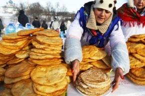 Роспотребнадзор просит россиян не переедать блинов на Масленицу