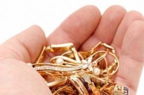 Салон золотых украшений ограбили в Колпино