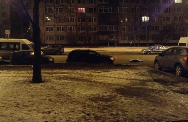 НаИскровском проспекте под колесами иномарки погибла пенсионерка— свидетели