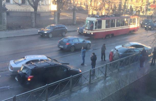 Водители Петербурга отметили день жестянщика