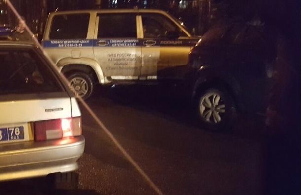 Машину обстреляли из пневматики на Гражданке