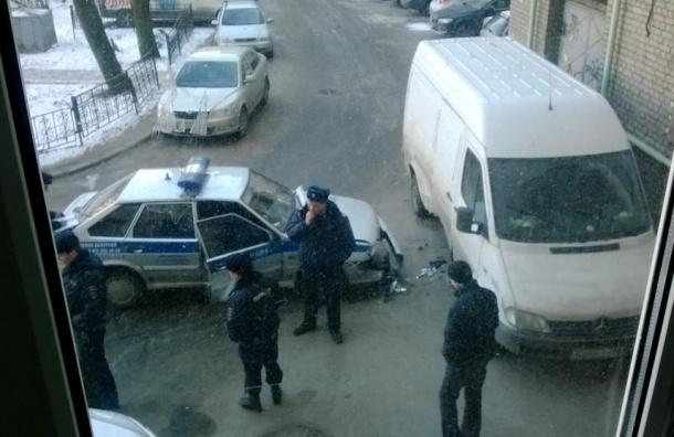 Очевидцы: Вневедомственная охрана стала участницей ДТП на Стачек