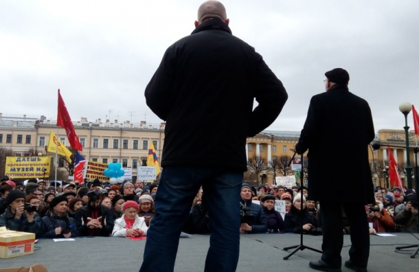 Лурье: «Более тупой имаргинальной власти вПетербурге небыло»