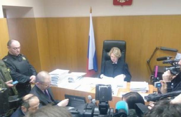 Суд отказался рассматривать иск против передачи Исаакия РПЦ