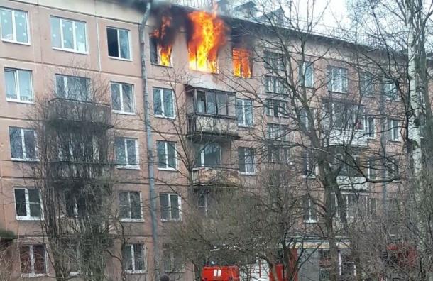 19 человек эвакуировали из-за пожара вПриморском районе