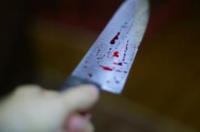 Супруга во время застолья ударила мужа ножом
