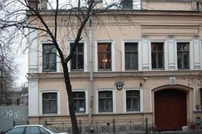 Чиновник Смольного ударил студента Издательско-полиграфического техникума