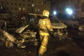 Квартира, две машины и вагончик сгорели на улице Бабушкина