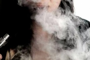 Минздрав выступил против запрета продажи вейпов подросткам