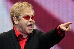 Элтон Джон приедет с концертом в Россию