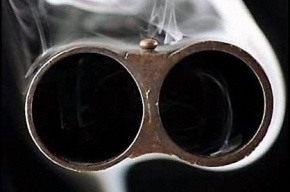 Безработного петербуржца нашли с простреленной головой в гараже