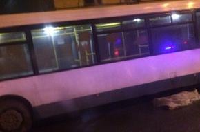 Водитель легковушки сбил насмерть в центре Петербурга студентку из Китая