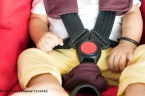Верховный суд разрешил водителям перевозить детей без автокресел