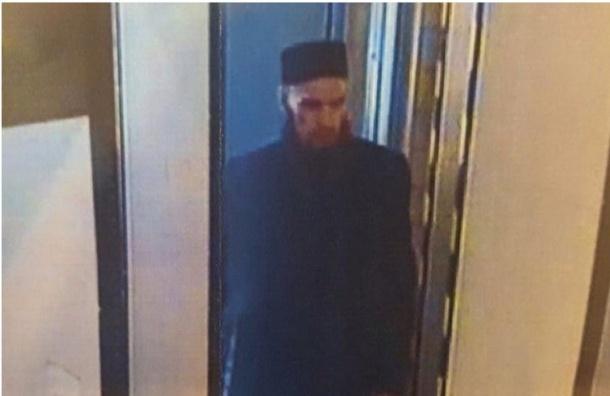 Два человека объявлены в розыск по подозрению в подготовке взрывов в метро Петербурга