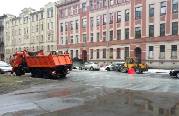 Очевидцы: Левашовский проспект залило бетоном