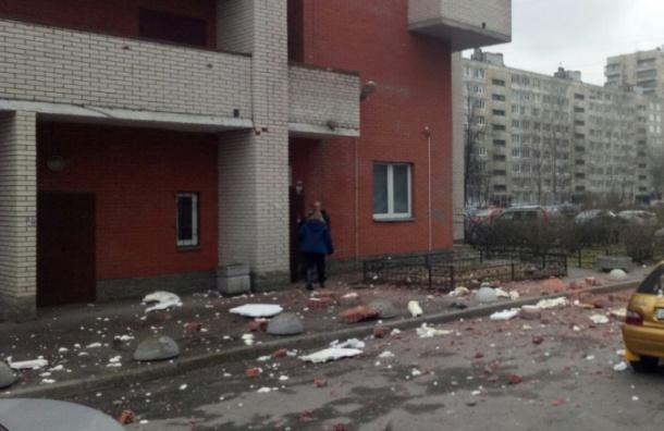 Очевидцы: В доме на Солидарности произошел взрыв