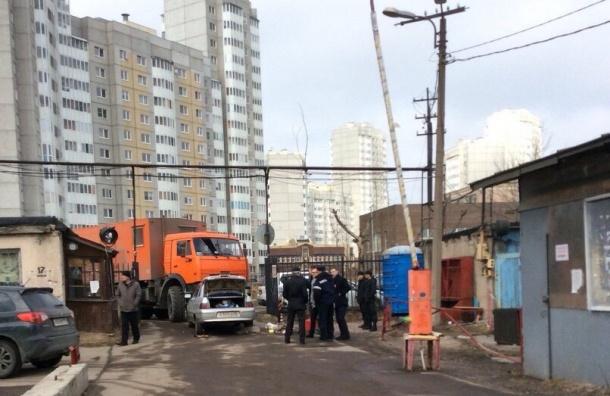 Попытку прорыва в гаражи на Малой Бухарестской сделали строители