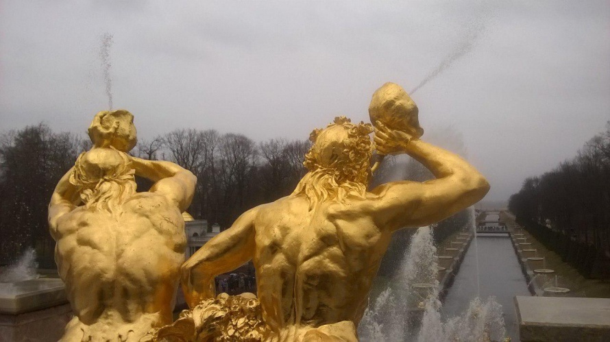 Ввыходные вПетергофе откроют сезон фонтанов