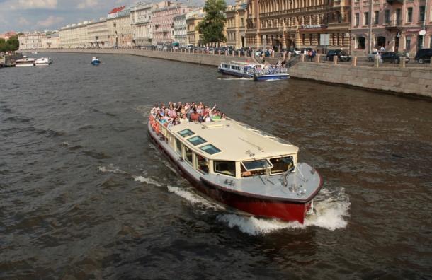 Минтранс РФ не будет полностью перекрывать акваторию Невы в июне