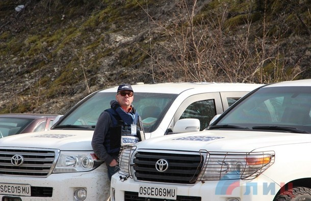 Наблюдатель  ОБСЕ погиб в результате подрыва автомобиля под Луганском