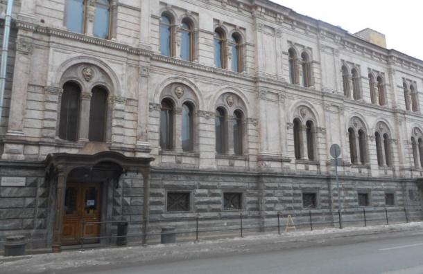 Дворец Европейского университета под угрозой