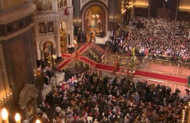Путин подарил патриарху Кириллу золотое яйцо на Пасху