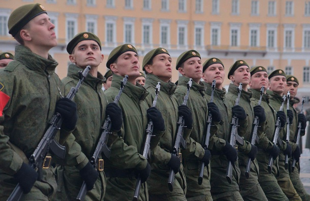 Репетиции парада Победы вПетербурге перенесли навечер