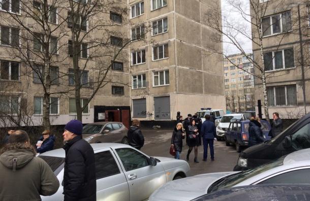 Жильцов дома по Товарищескому проспекту вывели на улицу