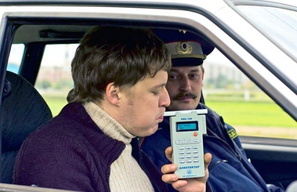 Русских водителей, лишенных прав запьянство, заставят лечиться