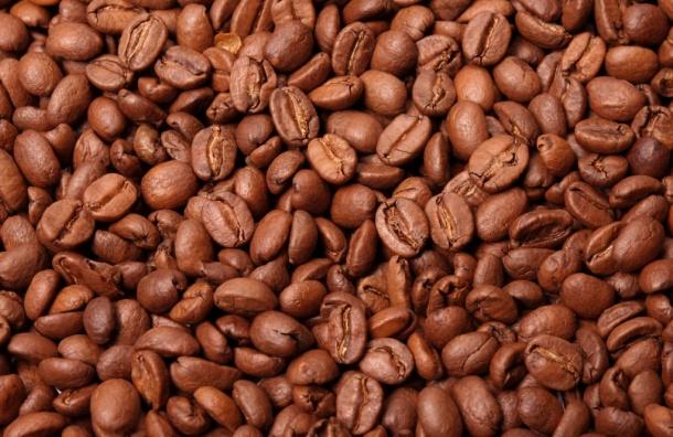 Петербуржцев оставили без 18 тонн кофе