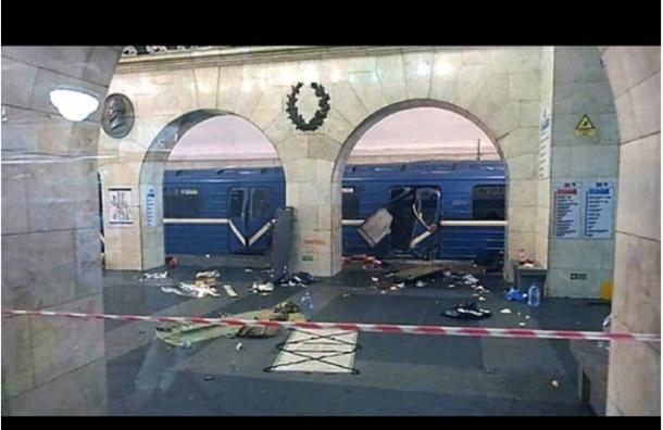 Следователи похвалили машиниста взорвавшегося в Петербурге поезда метро