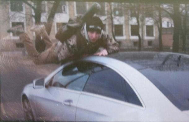 Активистов «СтопХама» сбили во время рейда на Малоохтинском