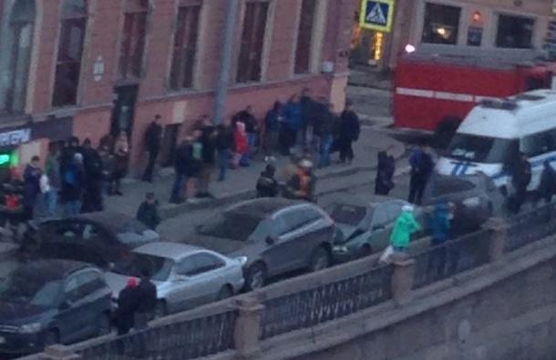 Очевидцы: Участника массовой аварии на канале Грибоедова ловила полиция