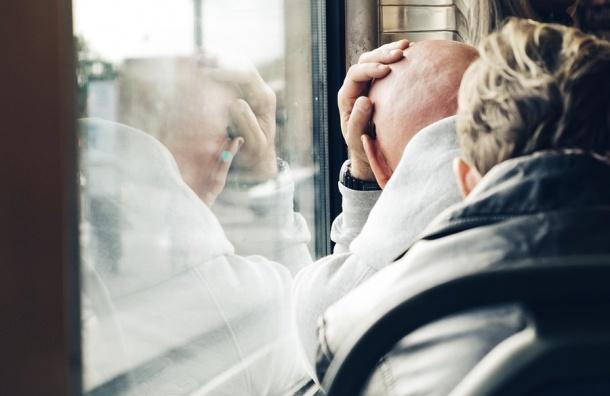 Движение автобусов в Петербурге усилят в Радоницу