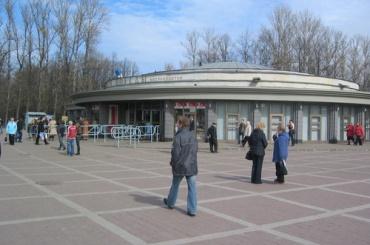 «Парк Победы» закрывали из-за звонка 12-летней школьницы