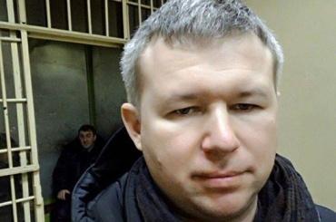Полиция удерживает правозащитника Идрисова более 15 часов