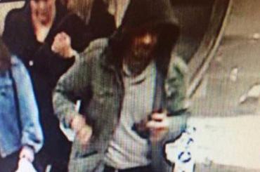Полиция Стокгольма показала человека, который может быть причастен к теракту