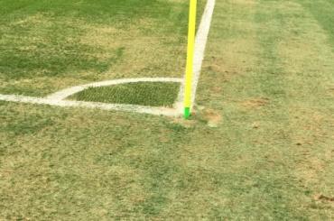 Заплатку из пластиковой травы нашли на газоне стадиона «Санкт-Петербург»
