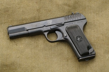 Пистолет нашли на Серафимовском кладбище