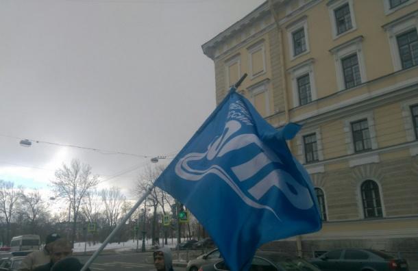 Дальнобойщиков держат в полиции Пушкина дольше положенного