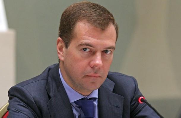 Песков: в Кремле изучат мнение россиян о Медведеве