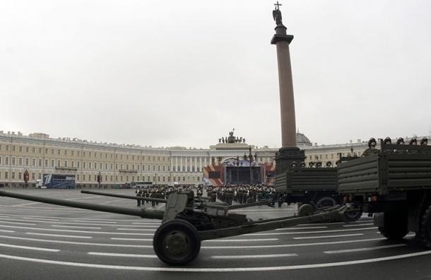 Движение машин ограничивается в центре Петербурга в связи с парадом Победы