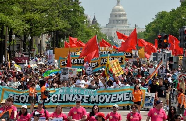 Десятки тысяч вышли вВашингтоне на«Климатический марш»