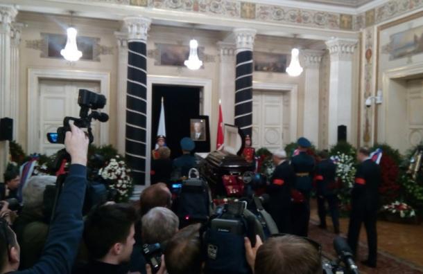Гражданская панихида по Вадиму Тюльпанову началась в Петербурге