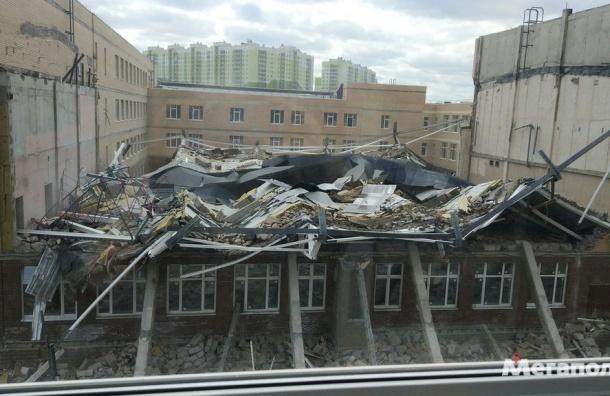 Строящаяся школа обрушилась в Мурино