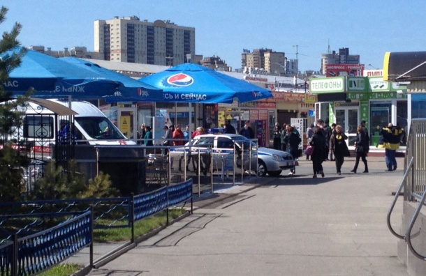 Рынок «Юнона» эвакуировали из-за сообщения о бомбе