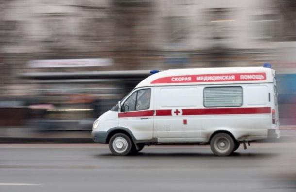 Перепившую школьницу откачивают в реанимации в Петербурге