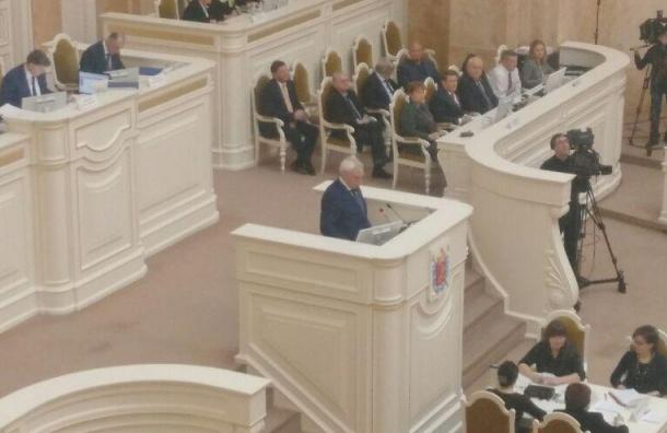 Вишневский пришел на совещание ЗакСа без георгиевской ленты иполучил замечание