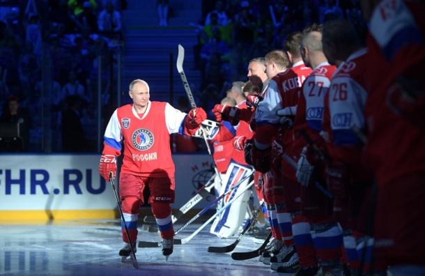 Работу Владимира Путин одобряют 82% россиян