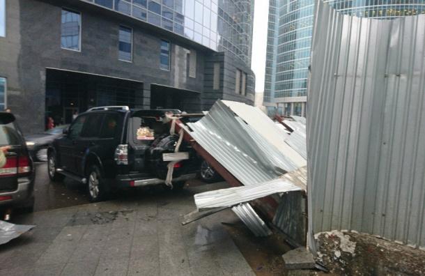 «Москва сегодня превратилась вад»: как жители столицы пережили ураган